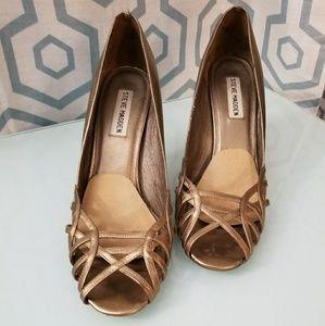 Steve Madden Donatela gold heels
